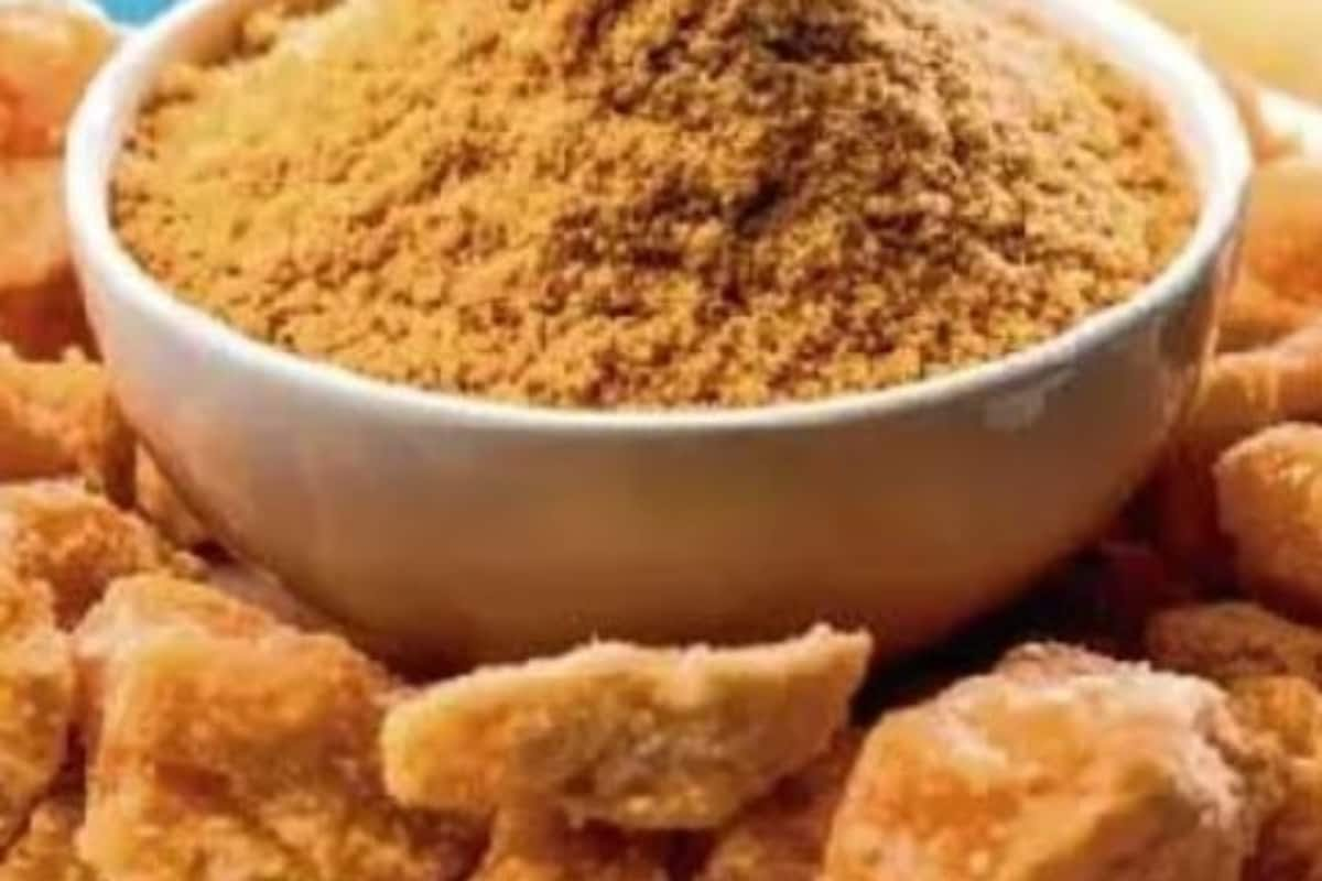 5 Amazing Benefits of Having Gur or Jaggery This Winter